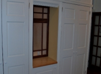 4-closets-with-window-niche
